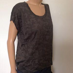 lululemon Tops - ❄️25% Off❄️Lululemon shirt